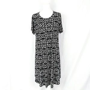 LuLaRoe Carly Dress Black and White Print